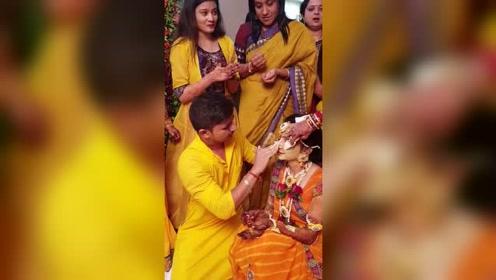 尼泊尔独特的结婚现场,这样的婚礼你能接受吗?