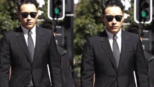 高云翔案庭审第13日抵达法院 穿黑西装律师陪同神情严肃低调现身