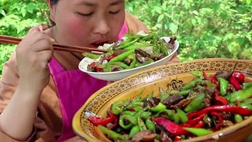农村胖妹学习四川吃法,1斤辣椒爆炒2斤鸡杂,最开胃下饭的菜肴出炉了!