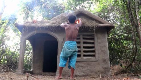 原始技术,小伙丛林建造泥巴小屋,遮风挡雨还是没问题的