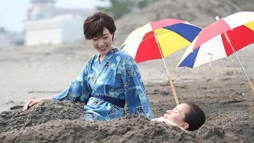 """日本""""奇葩""""沙子温泉,如同被沙子活埋,却吸引许多游客体验"""