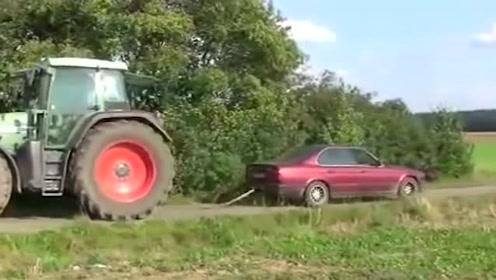 宝马与芬特拖拉机之间的较量,这动力牛了!