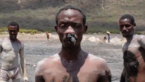 """非洲最""""残酷""""的工作,卖命一天只赚100,却还有人抢着去"""