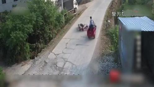 骑摩托车撞向别人,自己却落下残疾?女子家人还怪被撞的没报警!