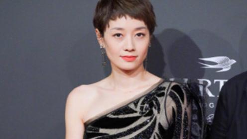 马伊琍穿黑色斜肩刺绣礼服亮相红毯,尽显高雅气质,越来越时尚!