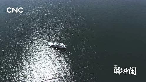 """瞰中国丨""""明媚而狭长的湖泊""""——班公湖"""