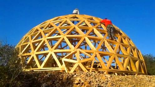 网格球顶小屋建造,用简易、轻质、快速的方式来造建筑物