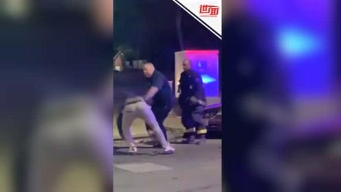 男子公然殴打消防员:谁叫他们灭火太慢
