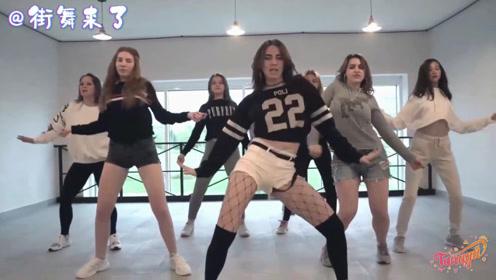 俄罗斯姑娘的舞蹈天赋名不虚传,女中学生跳街舞就有这水平
