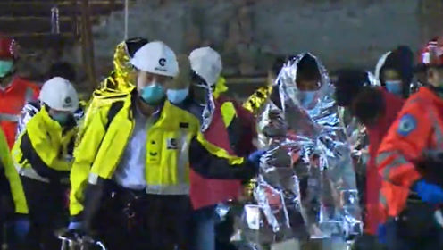 香港警方:截至19日晚11时,近800人离开理大约300人未满18岁