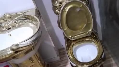 世界上最贵的卫生纸!迪拜还造出过黄金马桶!穷人想都不敢想