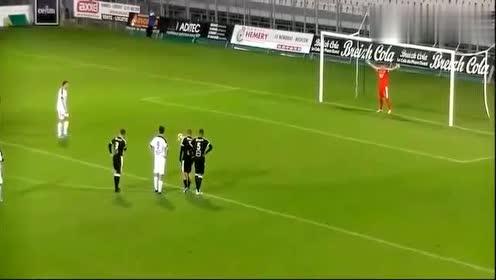 开了挂的足球门将,射门球员都欲哭无泪,还能不能玩耍了!
