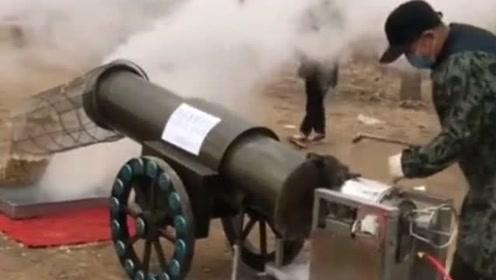 外国人看见咱们爆爆米花的机器,直吓的打哆嗦,非说这是武器!