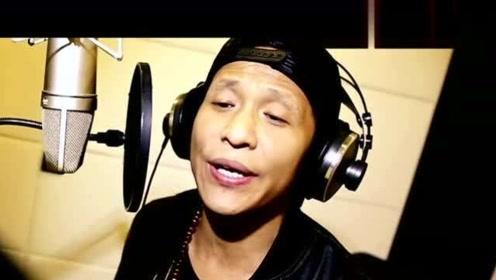 宋小宝、岳云鹏合唱《往事只能回味》,活宝唱歌,竟然不是一般的好听!