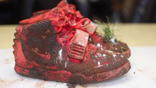 小哥捡了一双价值7000美元的破旧鞋子,把它翻新后,价值翻了几倍