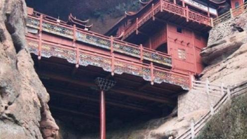这座寺庙由一根柱子撑起,没用一根铁钉,日本专家多次赶来破解