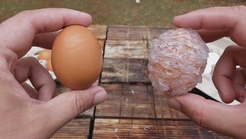 老外在鸡蛋上裹一层胶水然后从高空抛下 ,没想到结果太意外了!