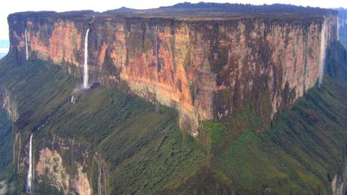 这座山峰被称为世界尽头,拥有月球表面的地貌,还有一个超大瀑布