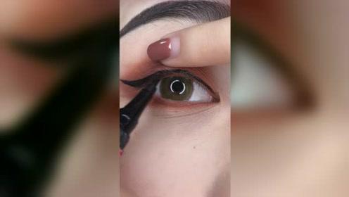 新手第一次画眼线