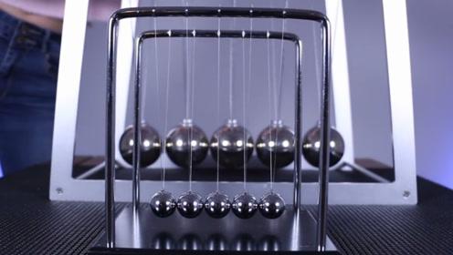 神奇的物理现象:永不停歇的牛顿摆,五个小球我能玩一天!