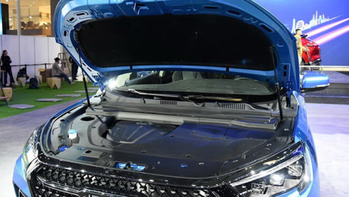 发动机质保10年100万公里,走进内饰三块屏,这款SUV仅9.9万起价