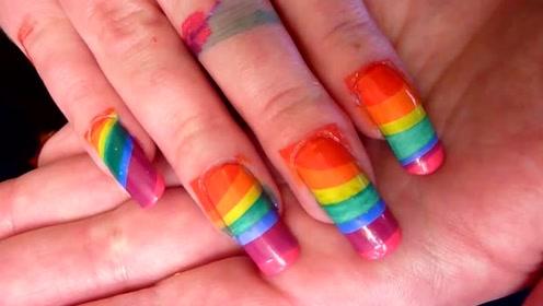 嫌指甲花纹太普通了?试试弄成一道彩虹上去吧!