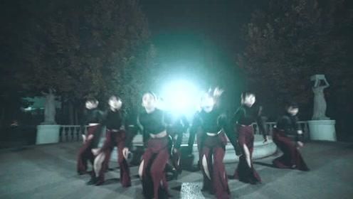 流行网红舞《穿越火线》,战场女孩让人心惊胆战!