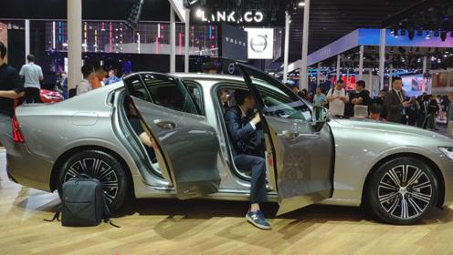 又一全新豪华轿车即将上市,2.0T+8AT,比奥迪A4L漂亮