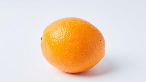 橙子这样剥,不沾手不流汁,快速不费力,一分钟能剥好几个