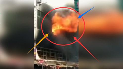 突发!浦北一大楼突发火灾 一瞬间整栋楼浓烟滚滚