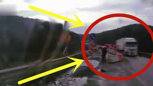 活久见!老司机神反应救下全车的人,监控拍下惊险全程!