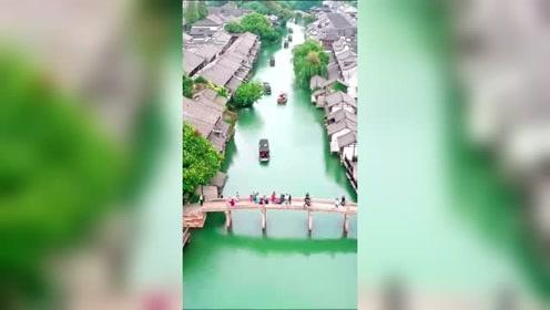 雨过天晴后的江南古镇,无人机拍下的一幕,太美了!