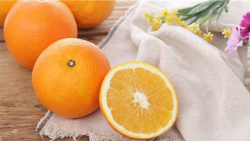 剥橙子,不用手剥不用刀切,只需一个勺子,干净还不流汁