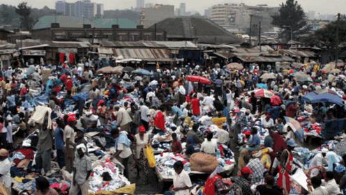 七成捐赠衣物被卖掉 你的旧衣服去哪儿了?
