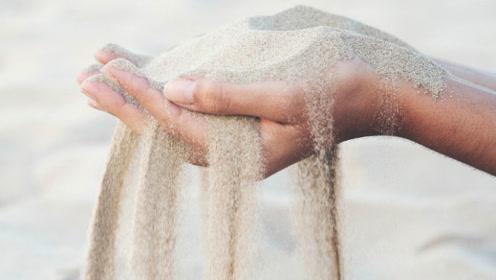 """沙子放大300倍,谁敢信这是一粒沙子?终于明白何为""""一沙一世界"""""""