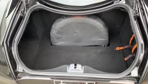 外国小哥带你欣赏法拉利 599 GTO的外观