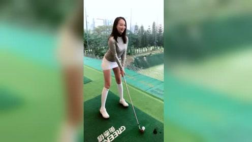 美女高尔夫玩的不错,真是高手!