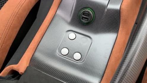 豪车内饰欣赏,法拉利 599 GTO,外国小哥带你看