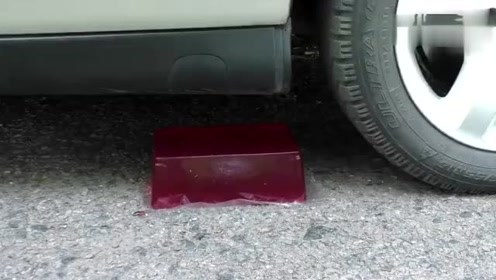 汽车碾压果冻,画面也太美了吧