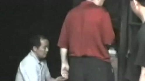 《法治进行时》20年大案回顾丨女子被劫为人质 北京警方当场击毙持刀歹徒