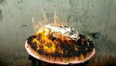 老外为制作烤鸭,点燃了5万根火柴,场面一度失控!