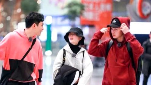黄子韬王彦霖在社交网站互放黑照 网友:你俩的偶像包袱呢?
