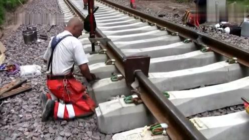 实拍德国无缝焊接铁路钢轨技术,恕我直言,技术非常的先进!