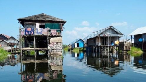 世界最大的水上村庄生活了3万人 最麻烦的是上厕所
