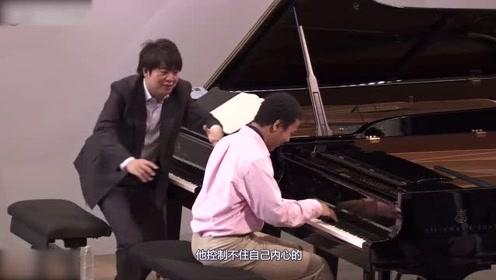 朗朗钢琴教学上线,学生一脸无助的看着他,网友:我怀疑我眼睛瞎了