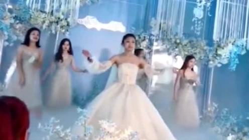 新娘太紧张忘记动作了,幸好反应快,真是太可爱了