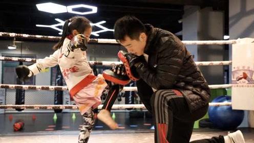"""""""鹰爸""""给5岁女儿魔鬼训练:望她强大,训练场上不准叫爸爸"""
