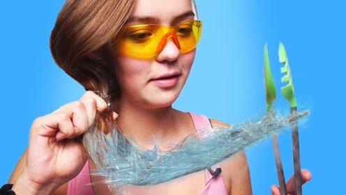 把头发放到液氮中会怎么样?美女大胆尝试,结果忍不住笑了!