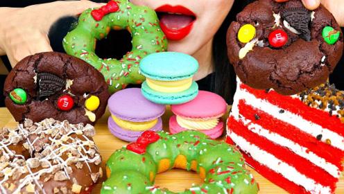 小姐姐吃甜点大餐,都是治愈系的甜食,光看颜值就心情大好