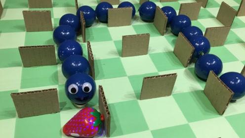 用硬纸板自制贪吃蛇游戏,过程新颖又好玩,网友:我能玩一整天!